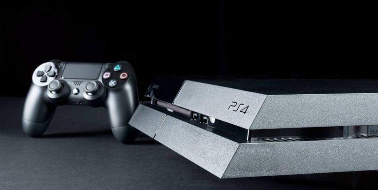 Консоль PS4 и джойстик