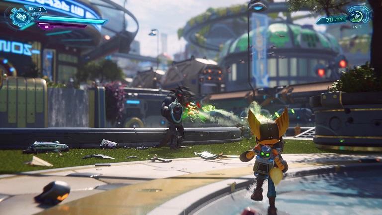 Сражения с врагами в Ratchet and Clank Rift Apart